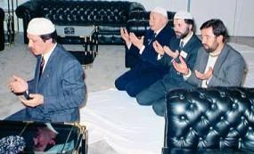 Ερτογάν νέος προσεύχεται